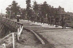 robert kershaw battlefield tours market garden Joes Bridge 1944