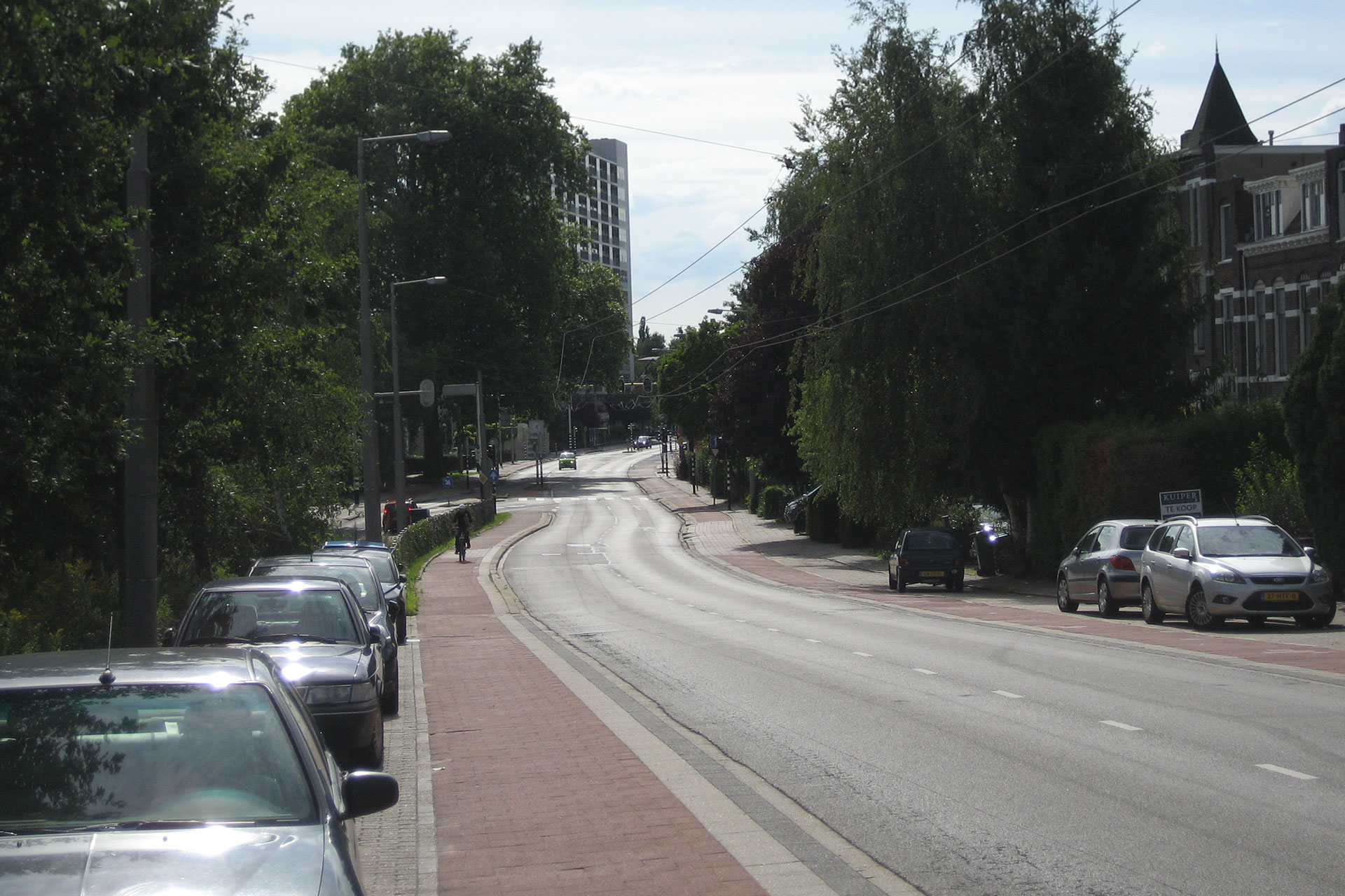 The junction of the high road and low road opposite the St. Elizabeth Hospital today